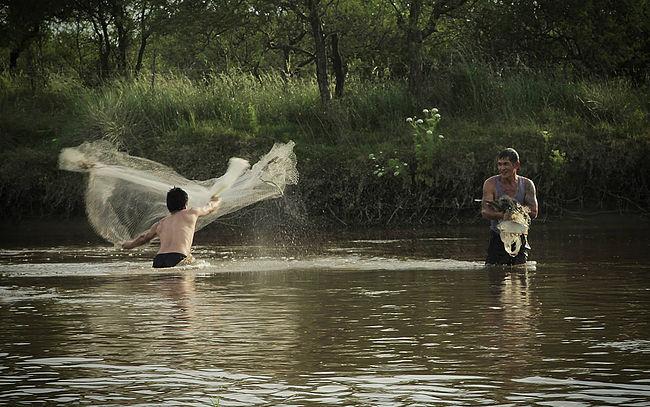 Mekong – Paraná: los últimos laosianos de IgnacioLuccisano